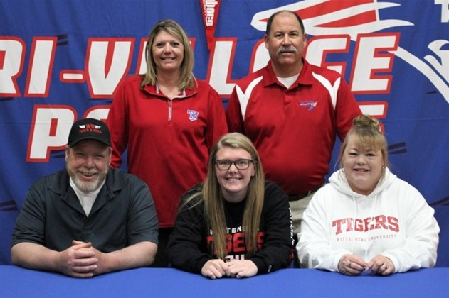 Combs signs with Wittenberg